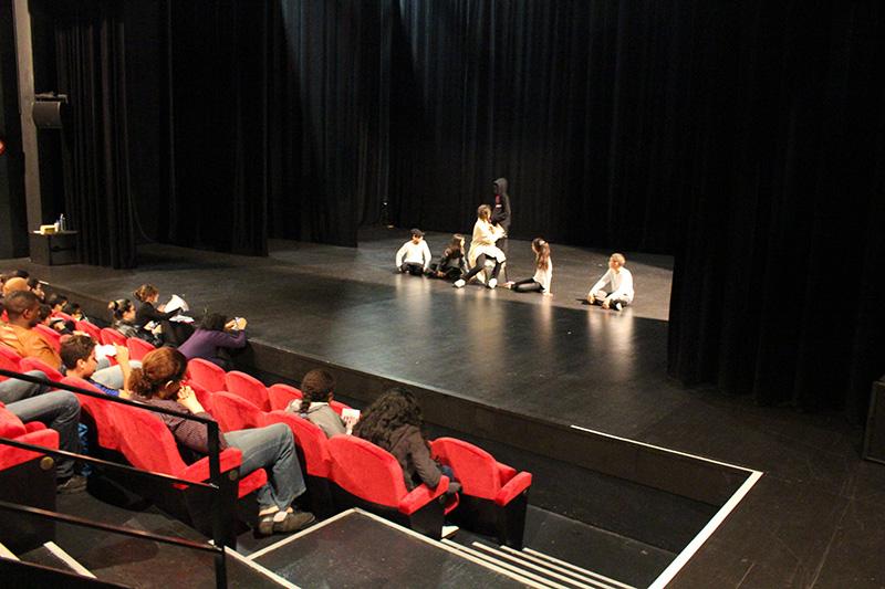 Théâtre national de Sartrouville : la troupe d'ECD joue sa pièce de fin d'année
