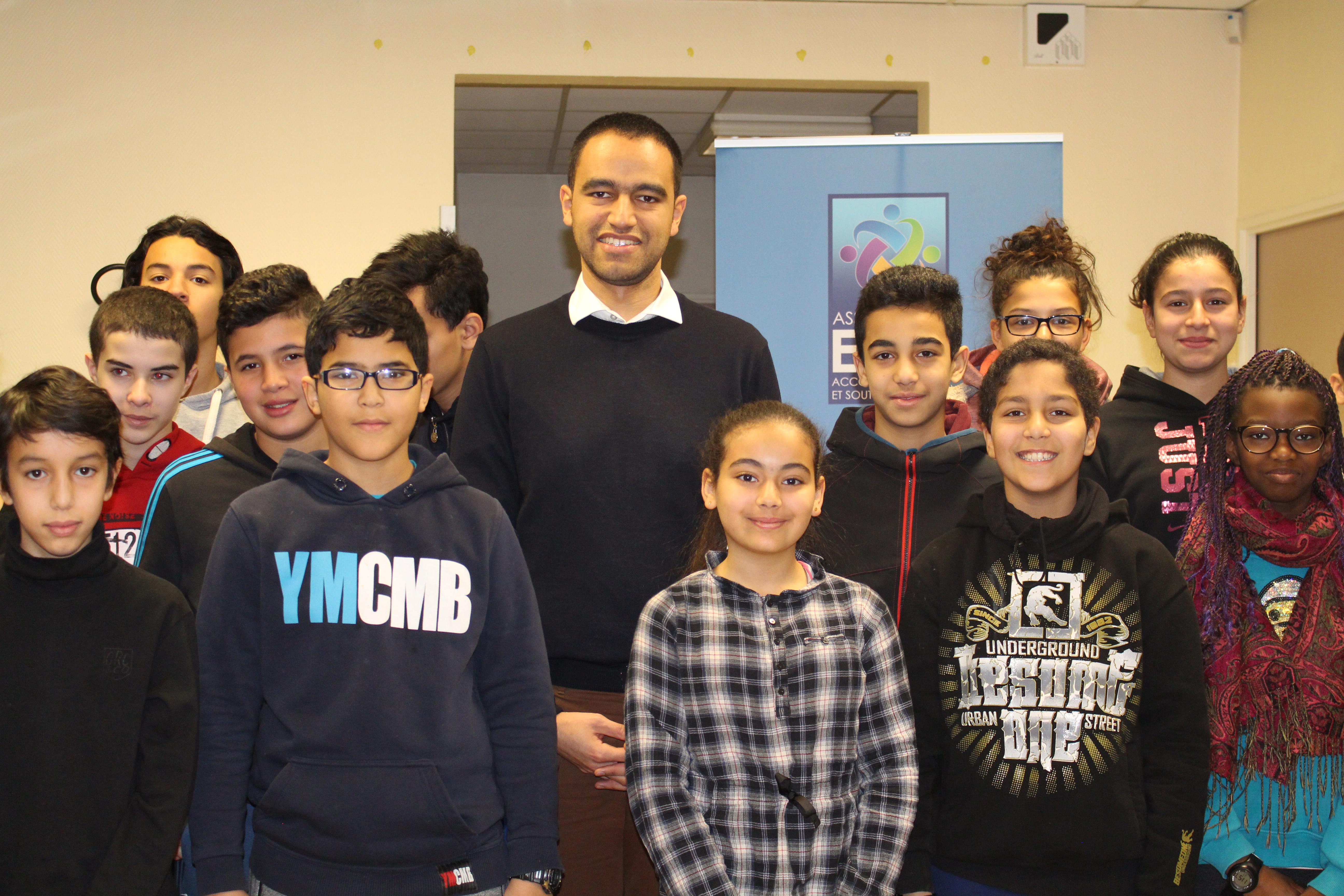 Yassir Hammoud présente les filières d'excellence à nos jeunes